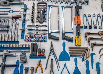 WordPress Hosting vs Maintenance Companies: A Side-by-Side Comparison